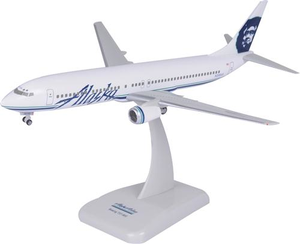Hogan Snap Together B737-900 Standard Livery 1/200