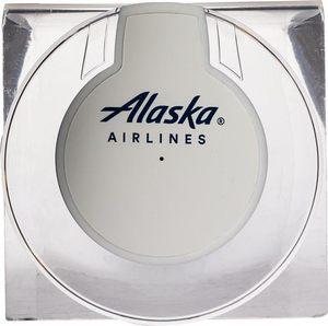 Alaska Airlines Qi UFO-Charging Port
